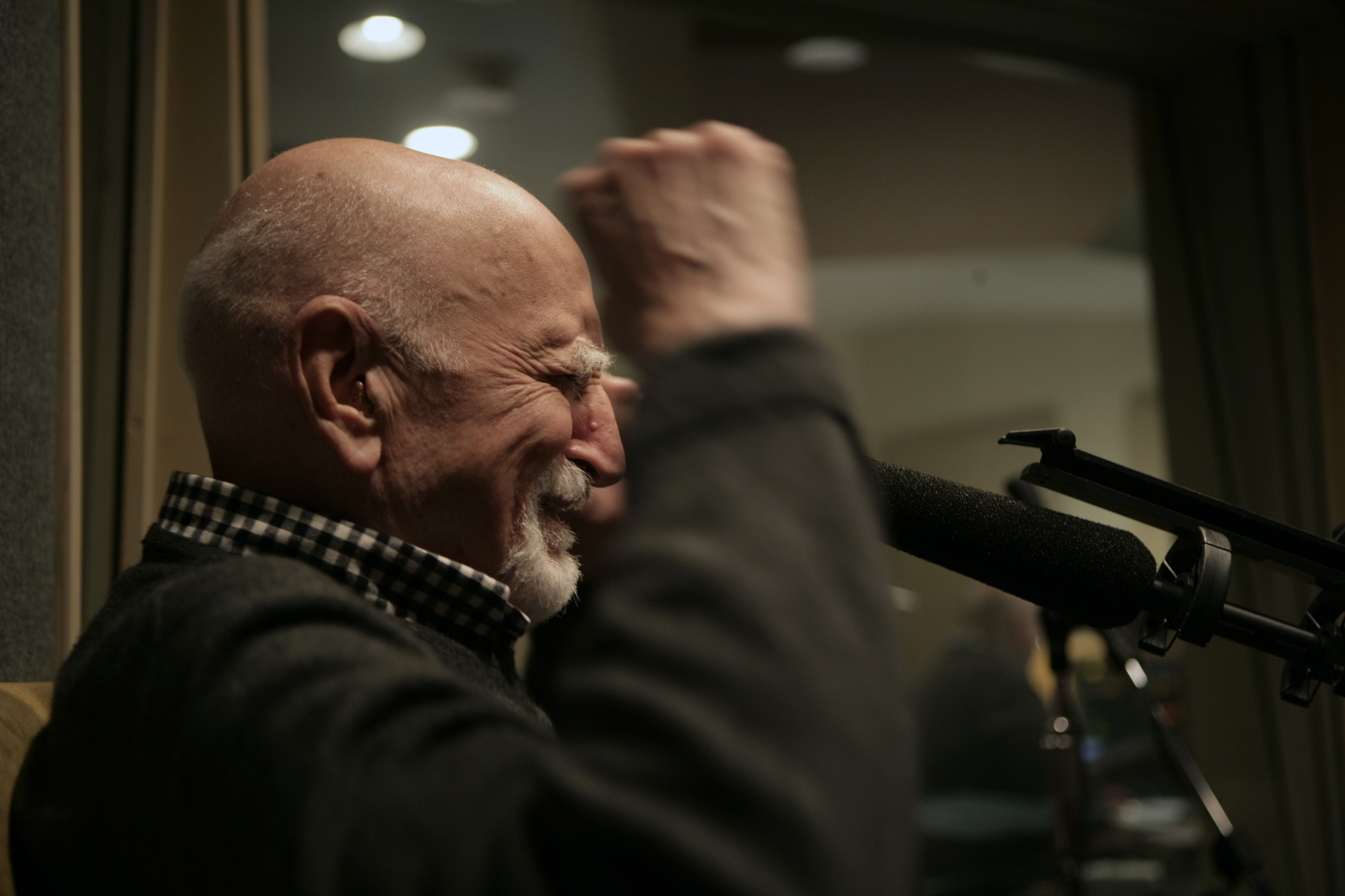 Dominic Chianese making a point. --by Jessica Wynne